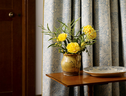 Marigold curtains (1875) (via morris-william.co.uk)